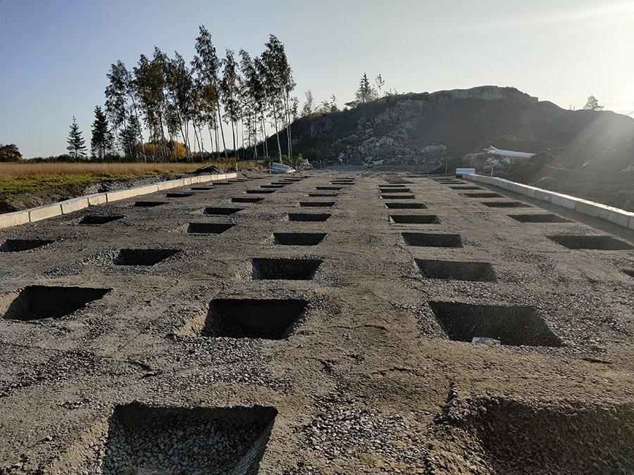 Sienilaattarakenteen maanpinta ennen laatan valamista