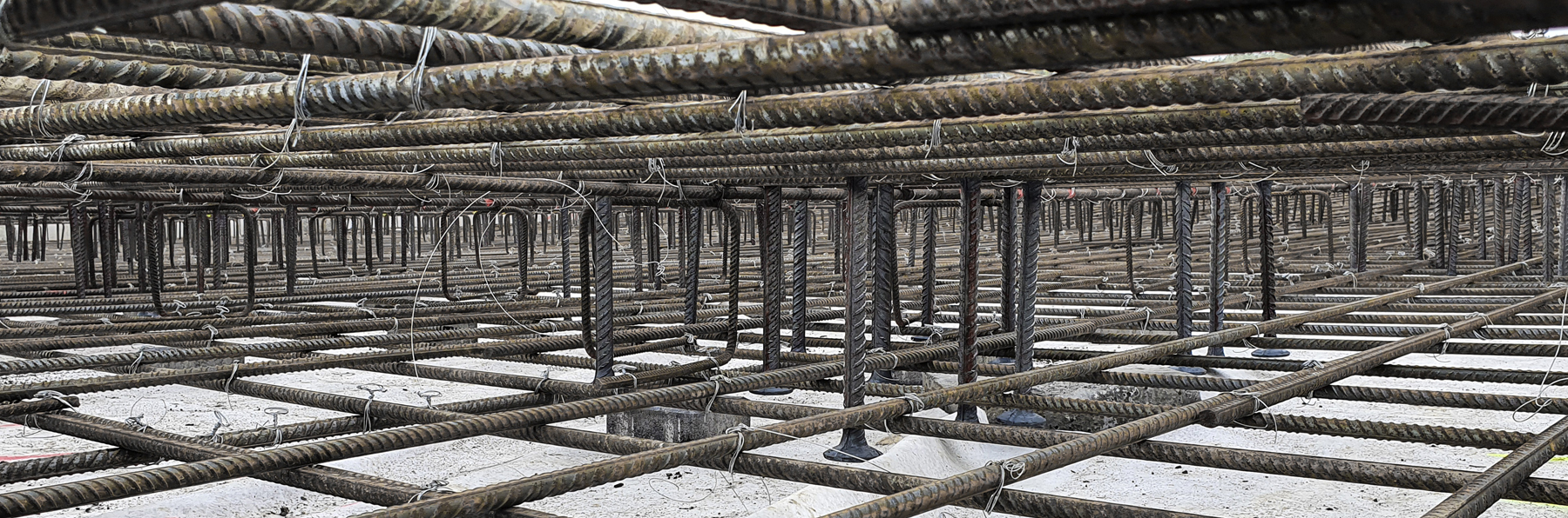 The punching reinforcement system speeds up the construction of a pile-supported slab significantly