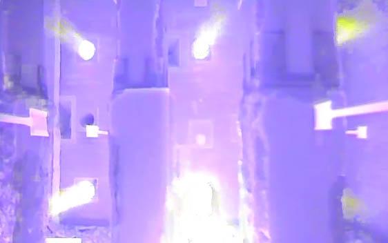 Peikon pilarikengät palokokeessa